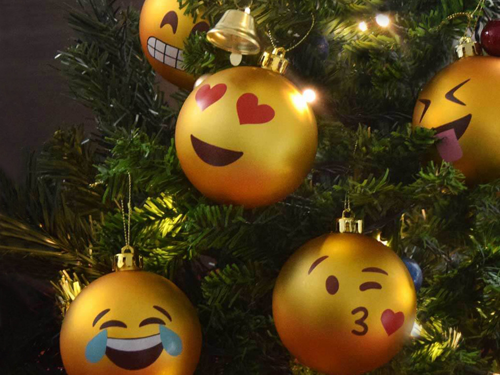 Christmas Tree Emoji.Emoji Christmas Balls