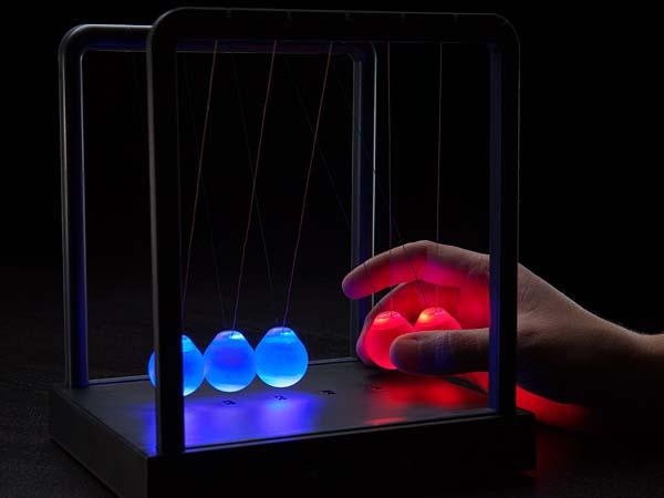 Led Kinetic Newton S Cradle Kinetic Light Newton Balls