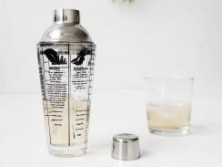 Cocktailshaker mit Rezepten