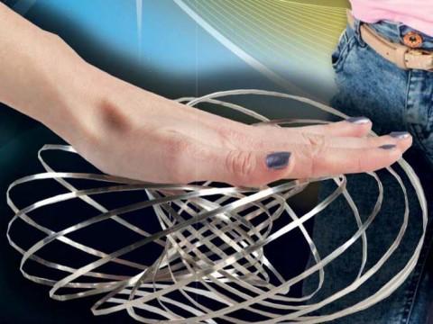 Kinetic Slinky Flow Ring