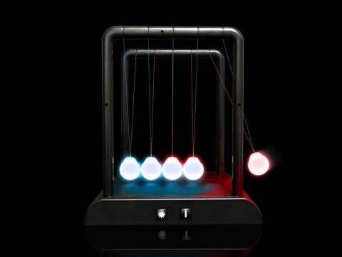 Led Kinetic Newton's Cradle